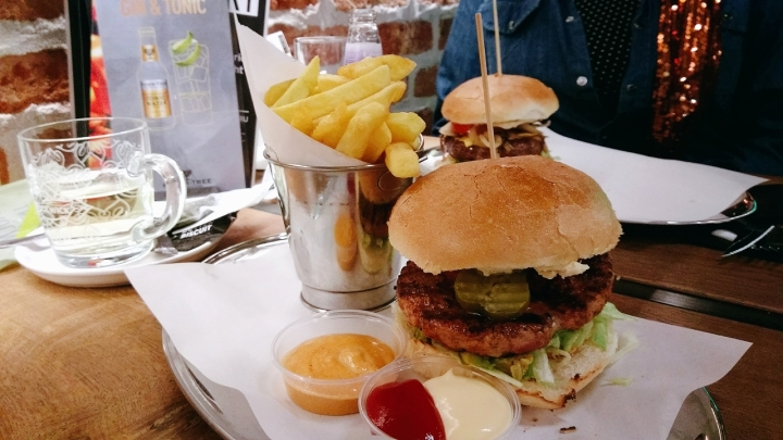 Delicious burgers on the Markt in Maastricht – De Burgerfabriekreview